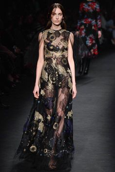 Valentino - Fall 2015 Ready-to-Wear - Look 60 of 70