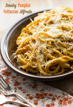 Smoky Pumpkin Fettuccini Alfredo Recipe | www.themessybakerblog.com #WeekdaySupper #Pumpkin #Pasta
