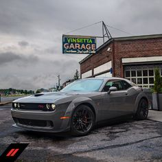 Time to conquer the road in the new Dodge Challenger. Classy Cars, Sexy Cars, Dodge Challenger Hemi, Electric Mountain Bike, Chrysler Dodge Jeep, Import Cars, Car Images, American Muscle Cars, Future Car