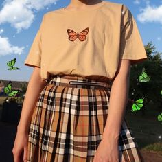 Blvck pl aesthetic grunge on fun fact butterflies cant fly if theyre cold main inspo page best frugal deal steals on Aesthetic Grunge Outfit, Aesthetic Shirts, Aesthetic Fashion, Aesthetic Clothes, Aesthetic Vintage, Cute Fashion, Look Fashion, 90s Fashion, Korean Fashion