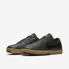 Acquista scarpe, abbigliamento e accessori Nike su www.nike.com