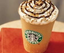 39 Starbucks Secret Menu Items You Probably Didn't Know About Until Now 39 Starbucks Secret Menu Drinks - Zebra Frappuccino recipe. 39 Starbucks Secret Menu Items You Probably Didn't Know About Until No Starbucks Frappuccino, Bebidas Do Starbucks, Starbucks Coffee, Starbucks Pumpkin, Starbucks Caramel, Caramel Frappuccino, Coffee Latte, Starbucks Usa, Carmel Frappe