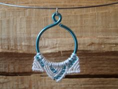 micro macrame pendant in icy colors knotted por Kreativprodukte