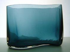 Signed Kaj Franck Nuutajarvi s-shaped vase   Designlasi.com