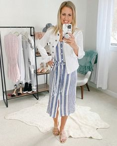 Shop Your Screenshots™ with LIKEtoKNOW.it, a shopping discovery app that allows you to instantly shop your favorite influencer pics across social media and the mobile web. Vacation Outfits, Mom Outfits, Casual Outfits, Spring Fashion Trends, Spring Summer Fashion, Autumn Fashion, Summer Fashions, Summer Dresses, Everyday Dresses