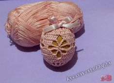 Horgolt tojástakaró Creative Workshop, Easter Crochet, Easter Eggs, Coin Purse, Purses, Pattern, Crafts, Floral, Jewelry