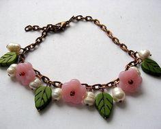 Culori verde, alb si roz, bratara femei, howlite, perle naturale, sticla Cehia - idei cadouri femei