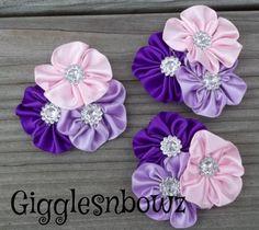 3 flores de cinta de raso satinado racimo por GigglesnbowzSupplies