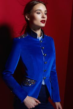 1a6829f205 BLAZER BLUE EMBROIDERED JOYA SEVILLA by THE EXTREME COLLECTION Blue Blazer  Outfit, Blazer Outfits For