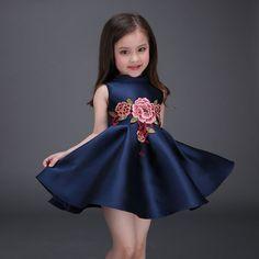38.97$  Buy here - https://alitems.com/g/1e8d114494b01f4c715516525dc3e8/?i=5&ulp=https%3A%2F%2Fwww.aliexpress.com%2Fitem%2FKids-Costume-2016-Toddler-Girl-Summer-Dress-Elegant-Embroidery-Flower-Robe-Princesse-Enfant-Girls-Dresses-Blue%2F32625825220.html - Kids Costume 2016 Toddler Girl Summer Dress Elegant Embroidery Flower Robe Princesse Enfant Girls Dresses Blue Vestidos De Nina 38.97$