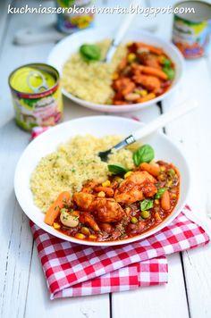 Lubię takie szybkie i pyszne propozycje obiadowe. Pomidorowa potrawka z piersią kurczaka i warzywami, świetnie sprawdzi się na obiad lub kol...