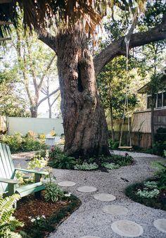 backyard in nola with tree swing. / sfgirlbybay