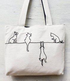 el nakışı özel tasarım çanta / niarmena /ham keten-ipteki kediler  Doğal ham dokuma keten kumaş üzerine el işlemesi(handmade), iç tarafı kot kumaş.El...