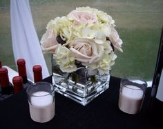 Simple and Elegant Floral Decor for the Bar, Garden on the Square #wedding #savannahwedding