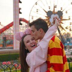 Cute Relationships, Relationship Goals, Teen Couples, Brazilian Girls, Amusement Park, Orlando, Menu, Humor, Couple Photos