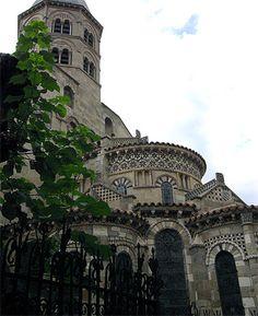 Notre Dame du Port. Clermont-Ferrand. Auvergne