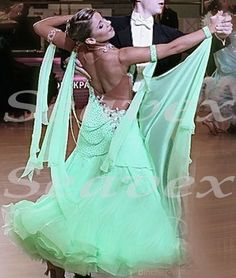 Women Ballroom Smooth Waltz Smooth Dance Dress US 10 UK 12 Flesh Green Lace