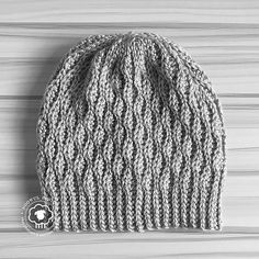 crochet pattern stitches WYNN SLOUCH - A FREE CROCHET PATTERN - Noowul Designs - The Wynn Slouch Hat Free Crochet Pattern is a modern and chic look for the fashionista trying to keep warm or simply look stylish. Free Form Crochet, Crochet Stitches Free, Crochet Baby, Knit Crochet, Crochet Granny, Unique Crochet, Crochet Gloves, Knitting Stitches, Double Crochet