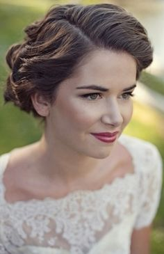 Vintage Hair and Makeup: Photo by Love Life Studios via Bridal Musings