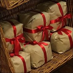 Bow-and-Ribbon Wrapped Panettone Bread – Fixtures Close Up Panettone Bread, Ribbon Wrap, Retail Design, Bakery, Wraps, Gift Wrapping, Bows, Display, Diy