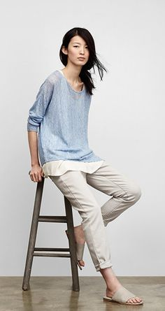 The look is elegant, feminine, open and flowing. But never clunky or excessively bohemian Looks Chic, Looks Style, Style Me, Spring Summer Fashion, Spring Outfits, Casual Outfits, Fashion Outfits, Womens Fashion, Minimalist Fashion