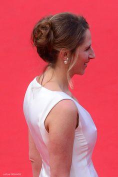 Maud Fontenoy #dessange #cannes2015 #coiffeurofficiel Cannes Film Festival 2015, Cannes 2015, Star Francaise, Palais Des Festivals, Hairdresser, Red Carpet, Cannes Film Festival, Dancing With The Stars, Hairstyle