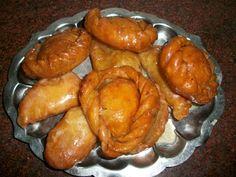 YUMMY TUMMY: Suryakala Recipe (Sun Shaped Sweet filled with Khoya and Nuts) – Sweets for Diwali