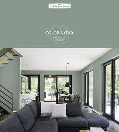 muren vergrijsd groen Paradise Found, Home Living Room, Living Room Designs, Inspiration Wall, Attic, Mood Boards, Wall, Color, Lofts