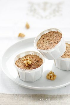 chOcOlate walnut gluten-free cakes