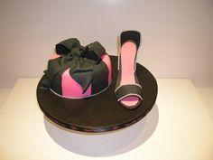 #Ideas #DIY para organizar el #cumpleaños de tu hijo - #Tarta #fashion victim