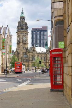 """I can't see the word Sheffield without hearing the phrase """"Sheffield.City on the move"""". England And Scotland, England Uk, London England, Oxford England, South Yorkshire, Yorkshire England, Cornwall England, Yorkshire Dales, Sheffield City"""