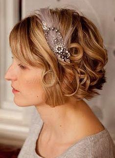 rövid+esküvői+frizurák+-+hullámos+menyasszonyi+frizura+hajpánttal