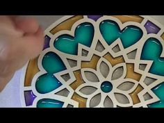Como pintar mandalas con acrílicos - Puntillismo paso a paso con pincel - Самые лучшие видео Mandala Painting, Mandala Art, Recycled Crafts, Resin Crafts, Clematis, Crafts For Teens, Diy And Crafts, Frozen Art, Painted Boards