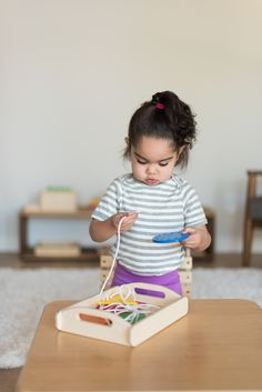 Before Preschool, there's Monti Kids. An award winning Montessori program for babies and toddlers delivered straight to your door! Infant Toddler Classroom, Montessori Toddler, Montessori Activities, Infant Activities, Toddler Preschool, Toddler Toys, Fun Activities, Bebe 1 An, Discovery Toys