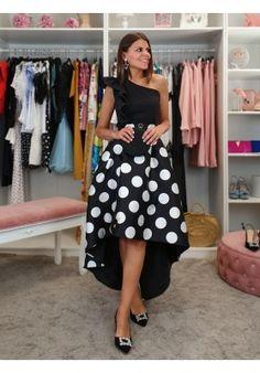 FALDA ASIMÉTRICA LOLI Party Outfits, Midi Skirt, Retro, Casual, Skirts, Dresses, Fashion, Ladies Fashion, Fashion Dresses