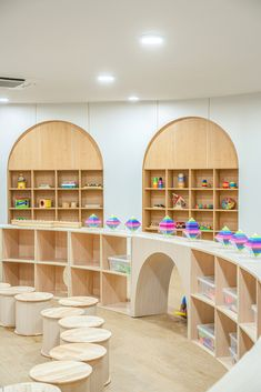Kindergarten Interior, Kindergarten Design, Play Spaces, Learning Spaces, Space Preschool, Daycare Rooms, Kids Library, School Furniture, Kids Zone