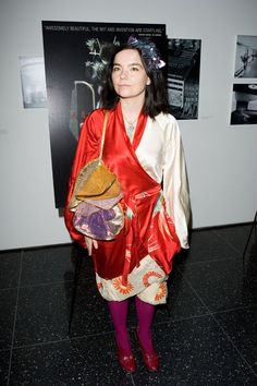 Björk's Most Eccentric, Over-the-Top, and Björk-iest Looks of All Time Photos Martina Mcbride, Fashion Silhouette, Over The Top, Queen B, Celebs, Celebrities, Comedians, Style Me, Kimono Top