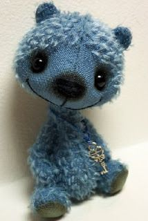 Bluebell McHoneypot by Bry Richardson - I love her bears, they make me giggle!