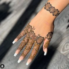 Pretty Henna Designs, Rose Mehndi Designs, Finger Henna Designs, Basic Mehndi Designs, Henna Tattoo Designs Simple, Beginner Henna Designs, Back Hand Mehndi Designs, Latest Bridal Mehndi Designs, Mehndi Designs For Girls