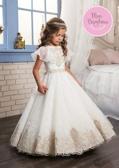 Flower Girl Dresses O-neck Appliques Short Sleeves Ball Gown Pageant Dresses Communion Gown for Wedding Custom Made Vestido. Princess Flower Girl Dresses, White Flower Girl Dresses, Princess Ball Gowns, Lace Flower Girls, Dress Girl, Girls Pageant Dresses, Wedding Dresses For Girls, Dress Wedding, Girls First Communion Dresses