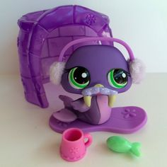 Littlest Pet Shop Purple Walrus #1511 w/Igloo & Accessories #Hasbro