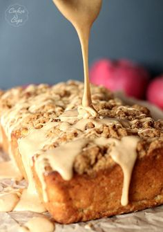 Yum! This would make a great breakfast or snack. Apple Pie Bread via www.cookiesandcups.com
