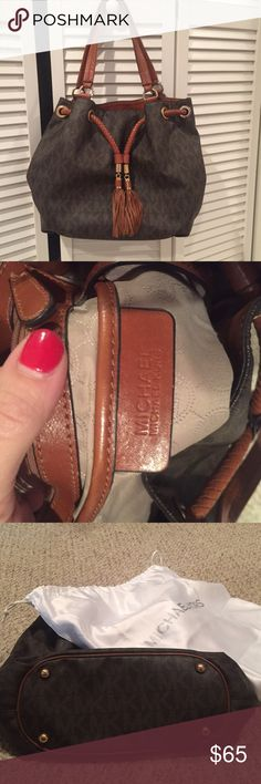 Michael kors purse. Used but in good condition!  Slight wear on straps. Great bag!! Bags Shoulder Bags