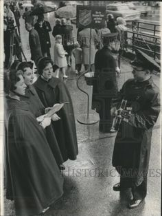 1965 Press Photo Salvation Army, 1st Christmas Kettle