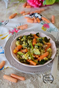 Wanilia i Kardamon: Zdrowa patelnia z kaszą jaglaną i mini marchewkami Pasta Salad, Ethnic Recipes, Fit, Blog, Crab Pasta Salad, Shape, Blogging
