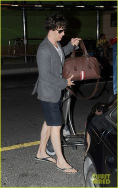 SPOTTED: Actor Benedict Cumberbatch at the airport in Brazil Logo Navy