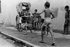 vintage everyday: Amazing Black & White Photographs of Daily Life in India in the 1970s
