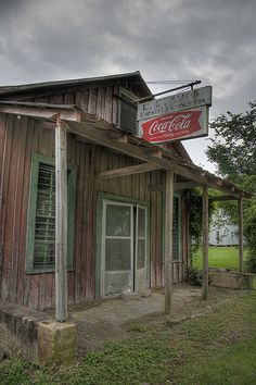 Amos General Merchandise-The Country Store Old General Stores, Old Country Stores, Old Abandoned Buildings, Abandoned Places, Coca Cola Ad, Old Gas Stations, Small Buildings, After Life, Old Barns
