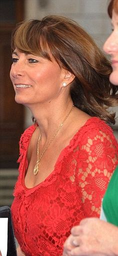 Suits you: Carole Middleton wears the Collette Dinnigan design in 2009 (left) while her daughter the duchess donned the same frock for a friend's wedding in September 2011 Kate Middleton Family, Pippa Middleton Style, Carole Middleton, Pippa And James, Kate And Pippa, Duchess Kate, Duchess Of Cambridge, Kate Dress, Princess Diana
