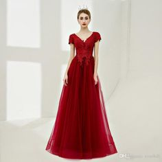 2018 Burgundy V-Neck Beaded Long Prom Dresses Lace Short Sleeve Bridal Evening Gowns Puffy Tulle Women Formal Party Dresses Floor Length